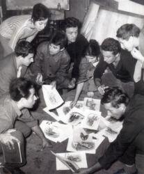 Promotia Corneliu Baba - 1963 (de la dreapta la stanga)   Francisc Bartok, Ion Banulescu, Corneliu Ionescu, Ana Dragusanu Petrov,   Liviu Lazarescu, Gheorghi Petrov, Filora Iosif, Ion Cojocaru, Henry Mavrodin